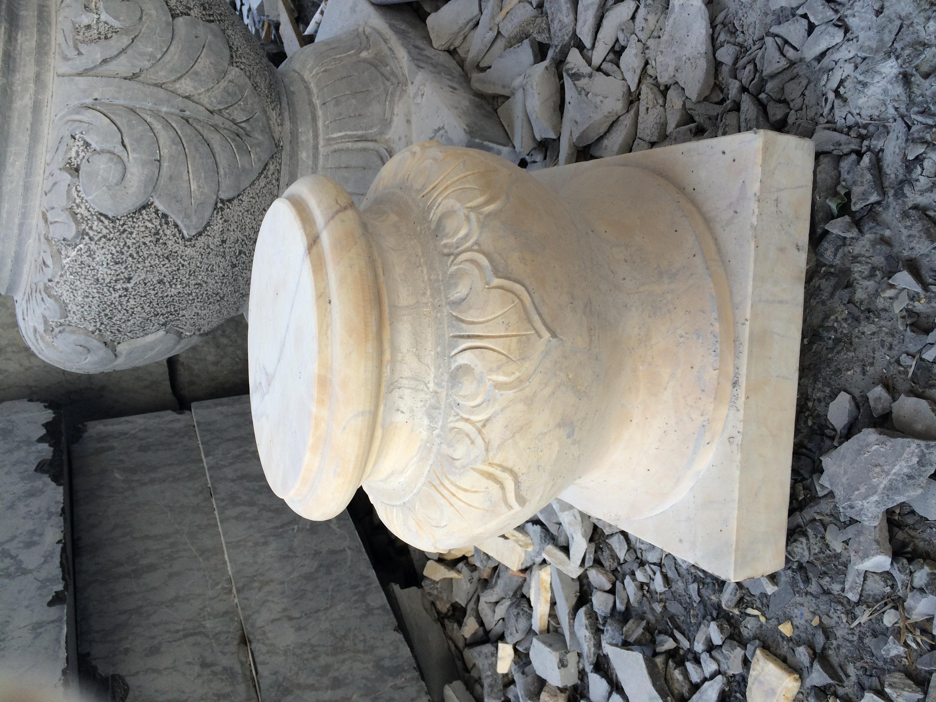 Chân cột đá-11