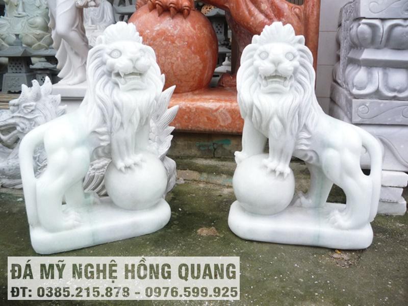 Đôi sư tử đá trắng tự nhiên nguyên khối Hồng Quang